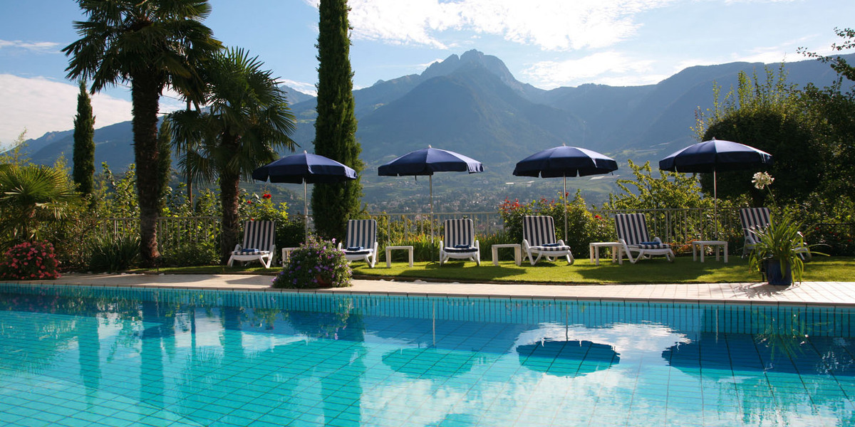Luxushotel luxushotels 5 sterne hotels luxushotels for Designhotel meran